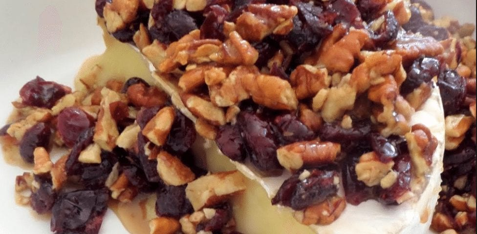 Z Honey-Nut Melted Brie Recipe - Pure decadance